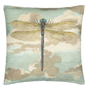 kussen Dragonfly Over Clouds Sky Blue Cushion van John Derian