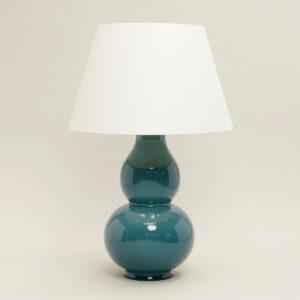Lamp Avebury Table Lamp (Teal) uit de -collectie van Vaughan
