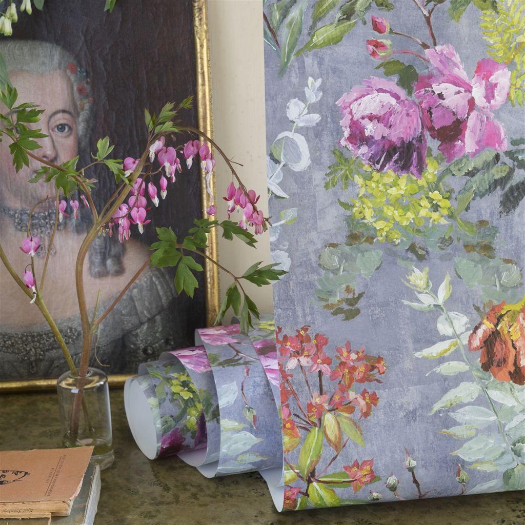 Detail van behang Tulipani uit de The Edit - Flowers Wallpaper Volume I-collectie van Designers Guild